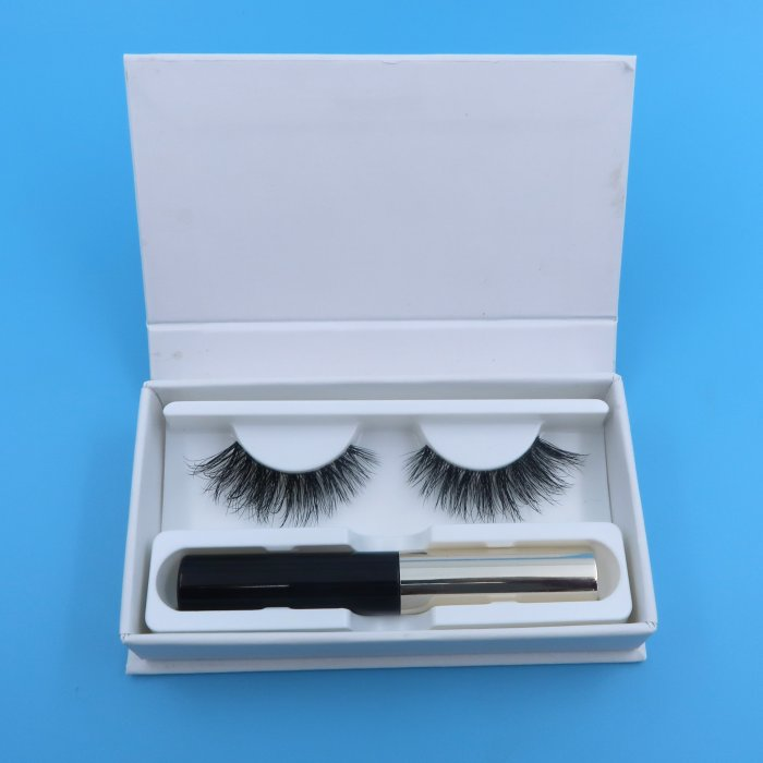 Magnetic eye liner and lashes 001