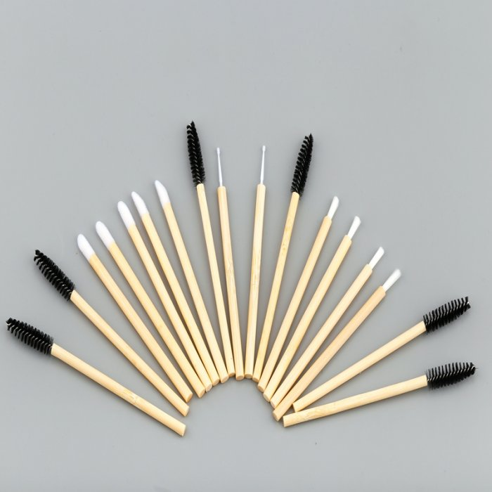 eyelashes brushes with bamboo handle