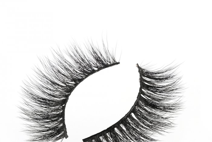 What are mink effect lashes? Mink effect meaning ? What advantages of mink effect eyelashes?
